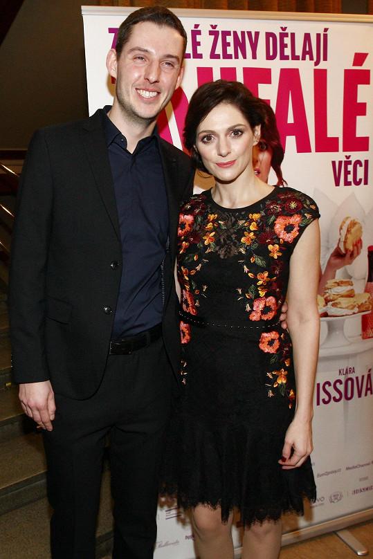 Klára Issová přišla na premiéru s přítelem.