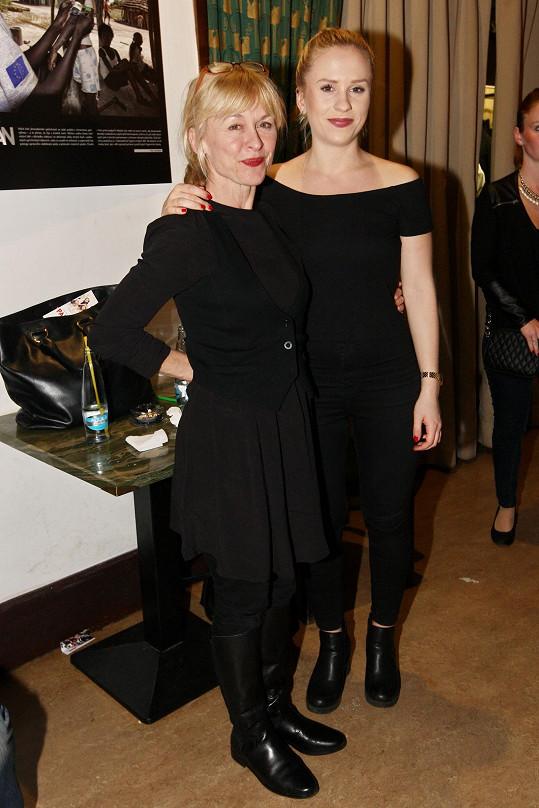Batulková s dcerou na premiéře Padesátky