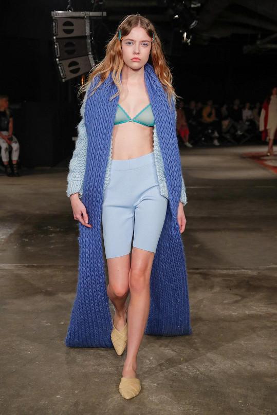 Báru uchvátila pletenina z tvorby návrhářky Božidary Richterové.