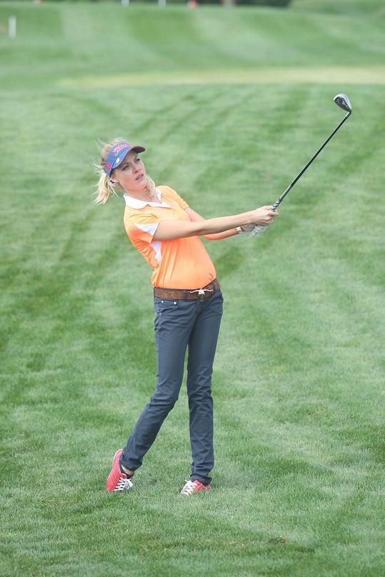 A Miss Golf Kateřina Klausová, která se jako jediná oblékla do oficiálního dresu turnaje.