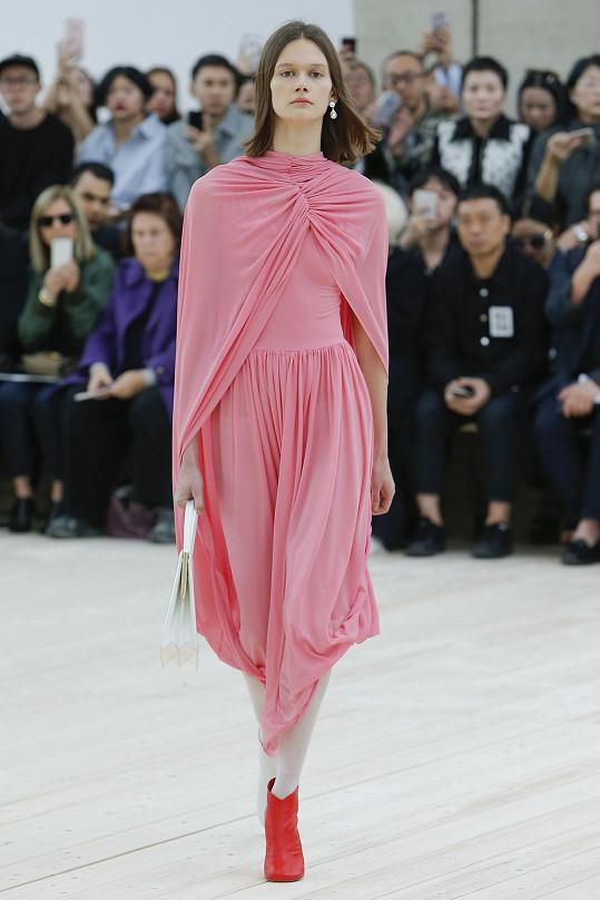 Daniela Kociánová nechybí na většině přehlídek významných francouzských módních domů. Změněnou atmosféru na týdnu módy v Paříži pocítila.