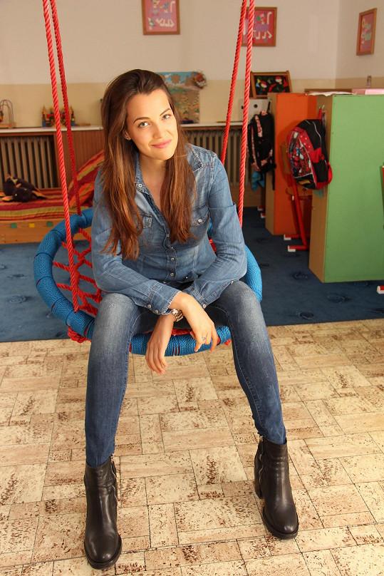 Katka přišla potěšit děti do speciální školky, kterou navštěvuje i její bratr.