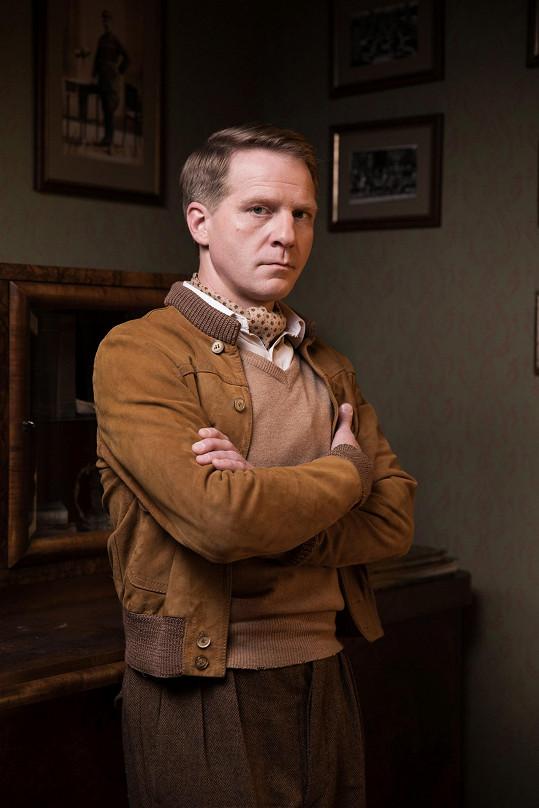Petrův bratr Pavel Batěk si zahrál v seriálu První republika.