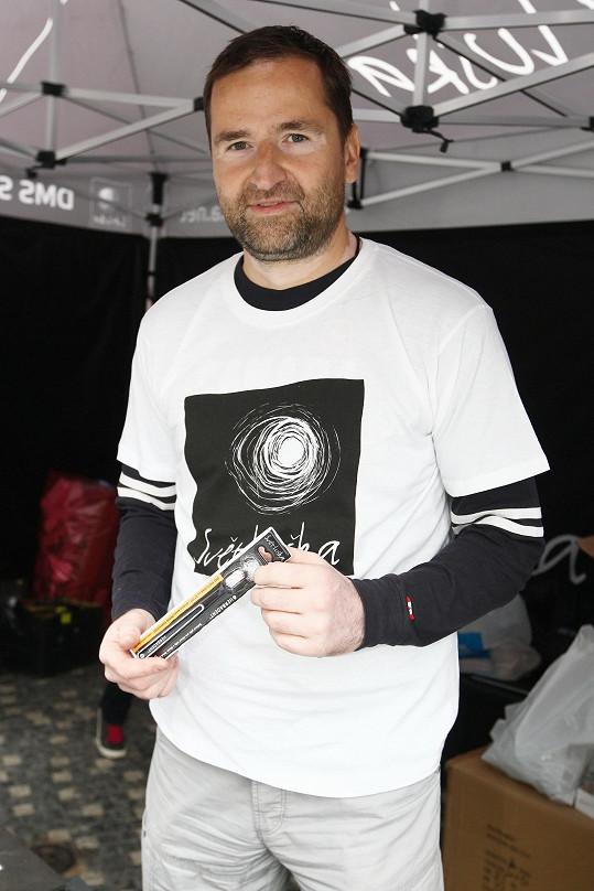 Robert Záruba podporuje Světlušku.