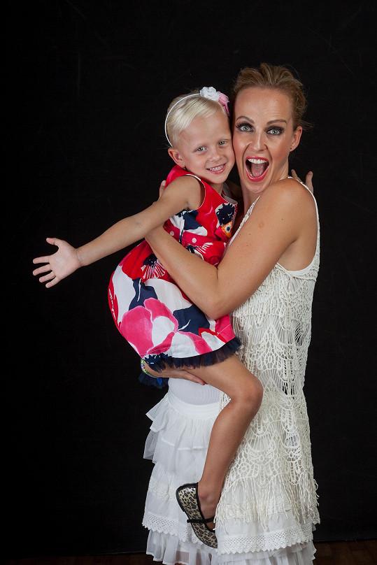 Zuza s dcerou Salmou si focení užily.