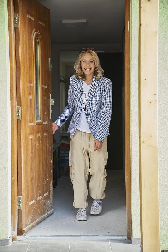 Tereza Pergnerová moderuje pořad už třetí sezonu. Ne vždy se má proč usmívat.