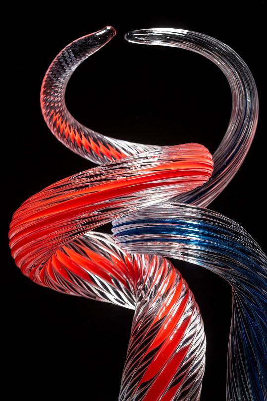 Celý výtvor vychází z pohybu tanečního páru.