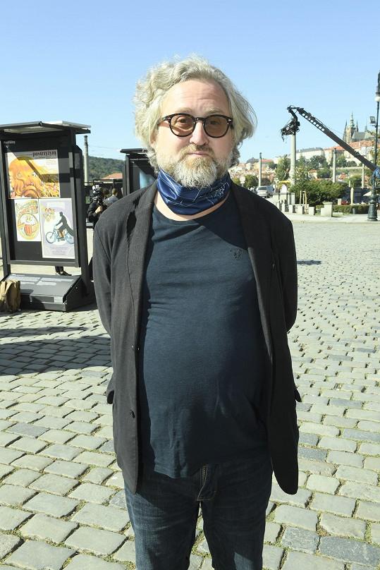 Režisér Jan Hřebejk na rozloučení s Jiřím Menzelem.