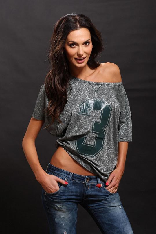 Vršek nakonec Česká Miss 2008 sundala.