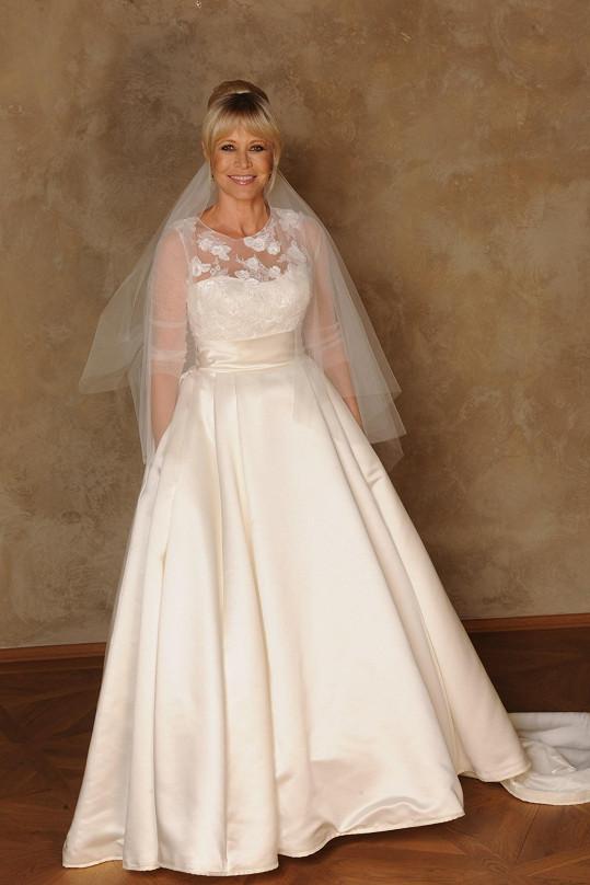Jako nevěsta vypadá stále báječně.