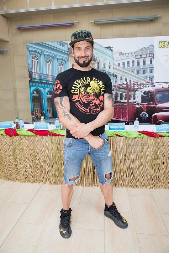 Václav Noid Bárta se zúčastnil akce Kubánské léto v aquaparku v Čestlicích.
