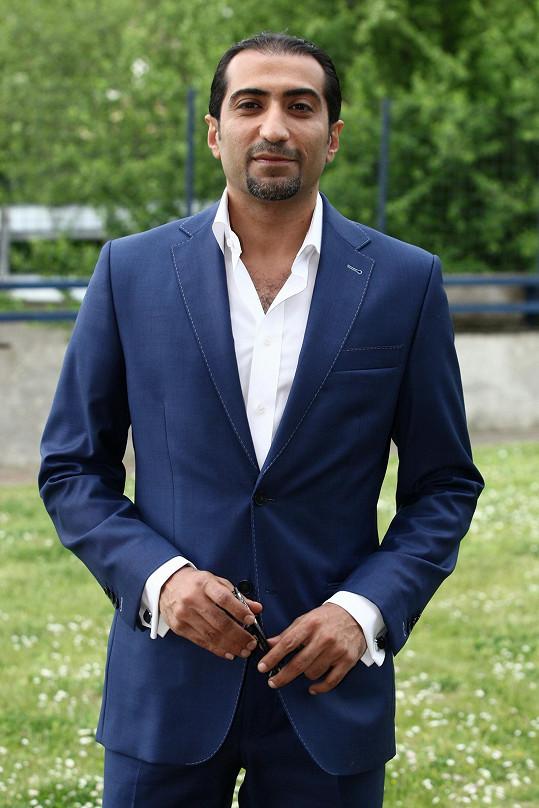 Ali Amiri vypadá pořád téměř stejně jako před devíti lety v SuperStar.