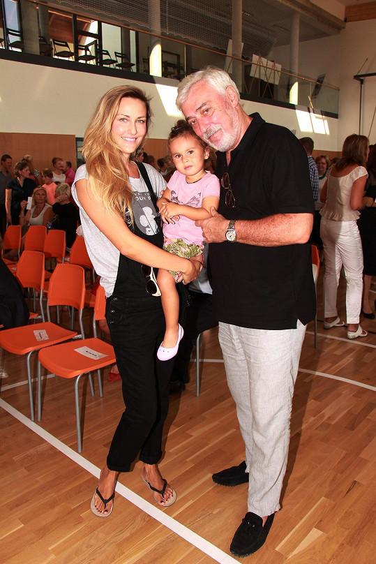 Jan Rosák s dcerou Zuzanou a vnučkou Lili