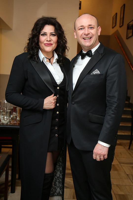 Ilona s prezidentem soutěže Muž roku na plese v Náchodě.