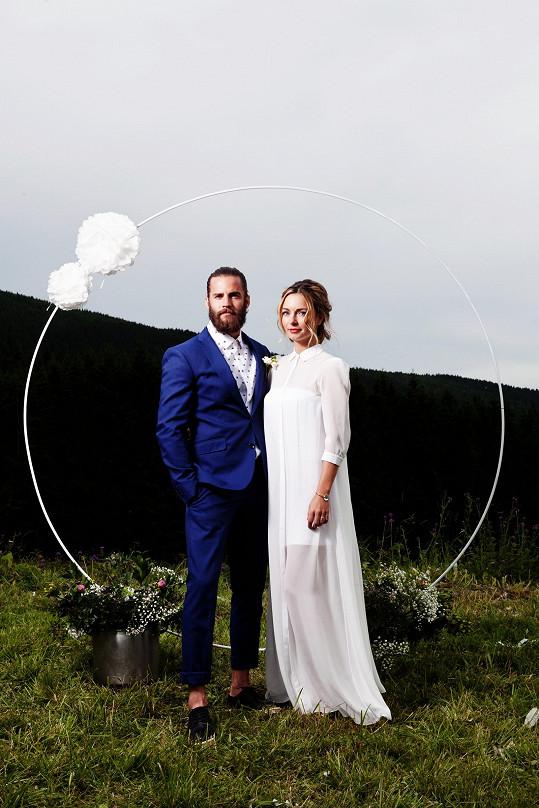 Svatba se uskutečnila na horách.