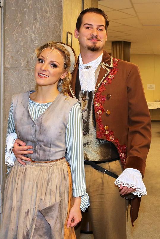 Nikola s přítelem Lukášem Kofroněm.