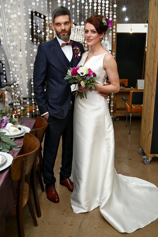 Mikoláš a Andrea si svatbu natrénovali na nečisto během jednoho focení.