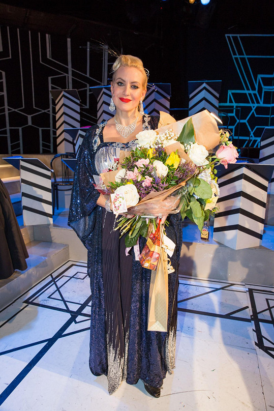 Po premiéře dostala Tereza nejednu květinu.
