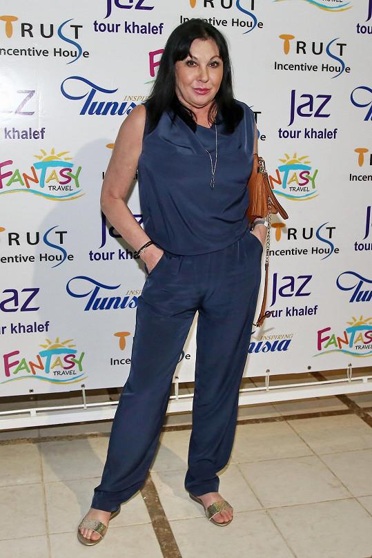 Na slavnostní tuniský večer se Dáda hodila do gala.