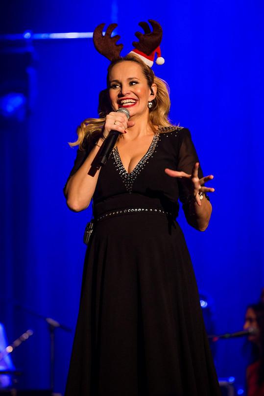 Monika Absolonová zpívala v Lucerně.