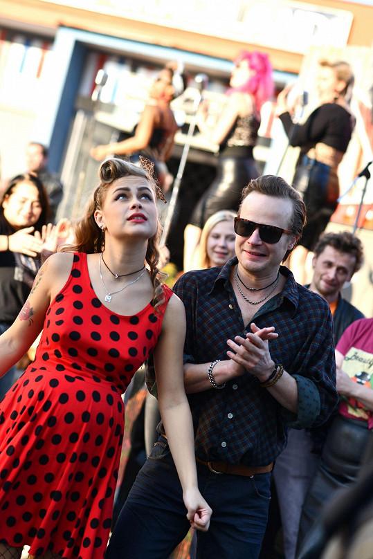 Veronika Marková a Kryštof Hádek hrají v Bouráku pár.