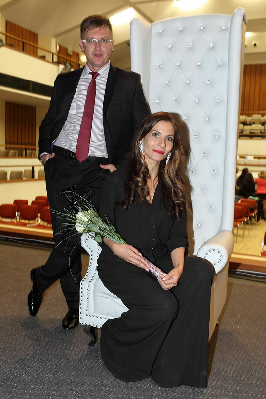 Eva Decastelo s moderátorským kolegou Michaelem Zimou