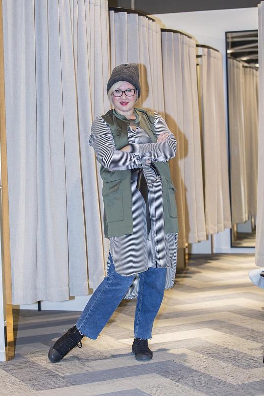 Tereza Černochová si užívala nákupy výjimečně bez dcery.