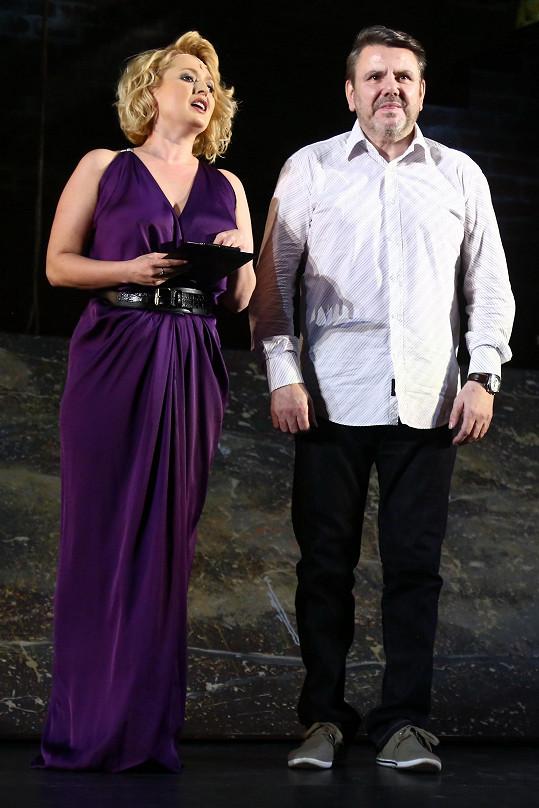 Herce na jeviště během děkovačky uvedla Miluška Bittnerová.