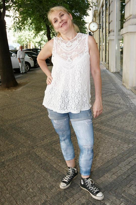 Vedle herectví se Gajerová věnuje také dabingu. Svůj hlas například propůjčila Samanthě Jones v seriálu Sex ve městě.