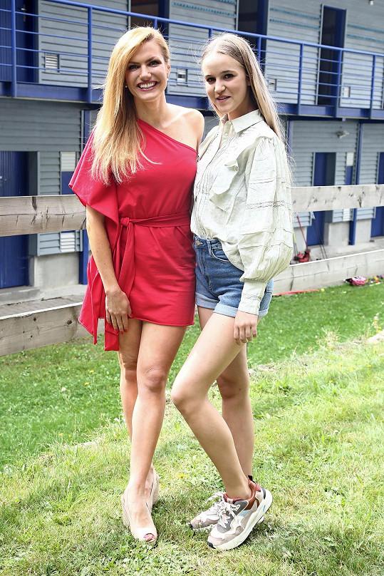 Gabriela byla předobrazem seriálové postavy Andy, mladé nadějné biatlonistky, jejíž představitelkou je patnáctiletá Amélie Pokorná.