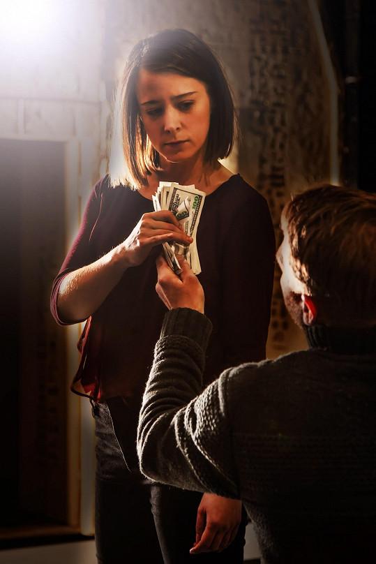 Představení Na dotek, které bude mít premiéru 5. dubna v Divadle Broadway.