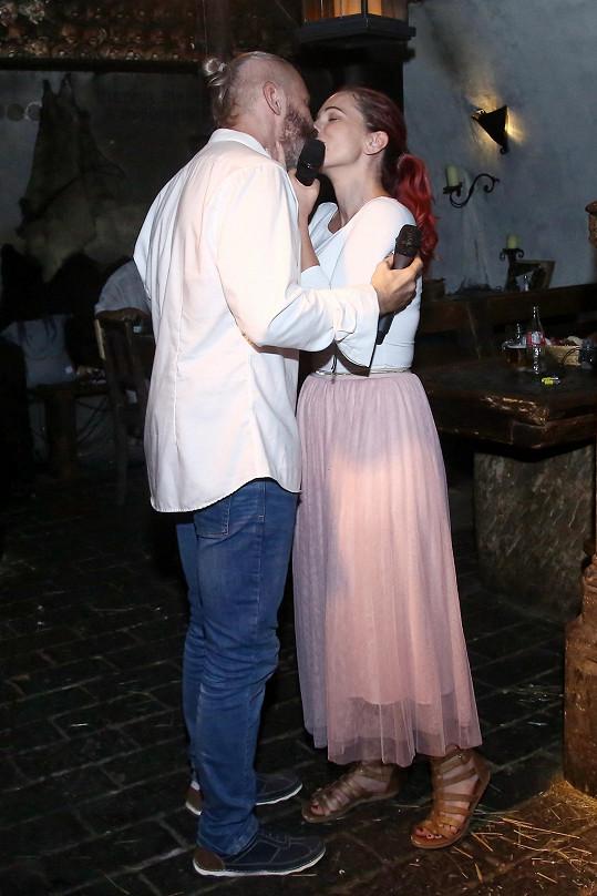 Partner Jindřich ji před měsícem požádal o ruku.