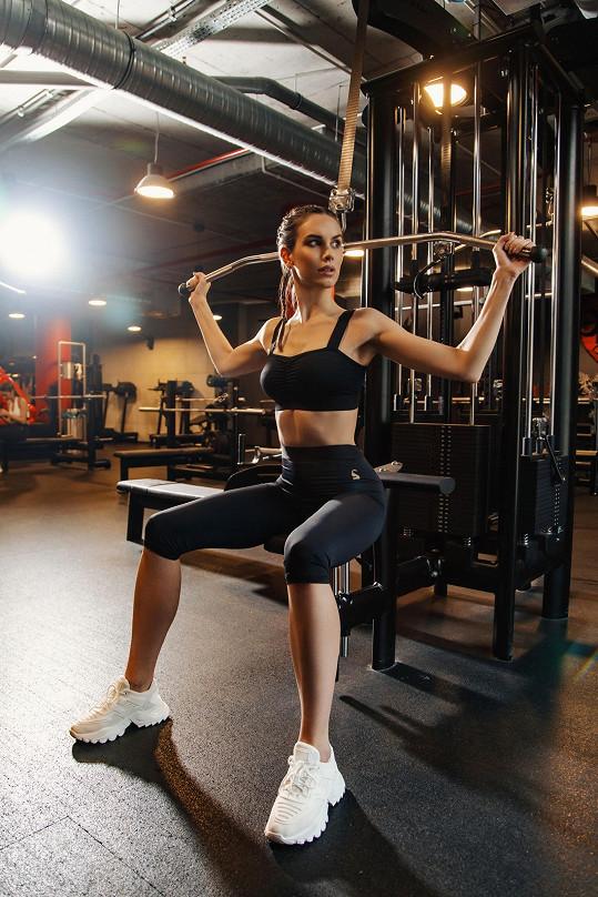 Česká Miss 2019 Barbora Hodačová se nyní místo fitness věnuje józe.