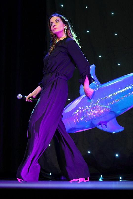 Eva Decastelo dostala z finalistek trošku mindrák.