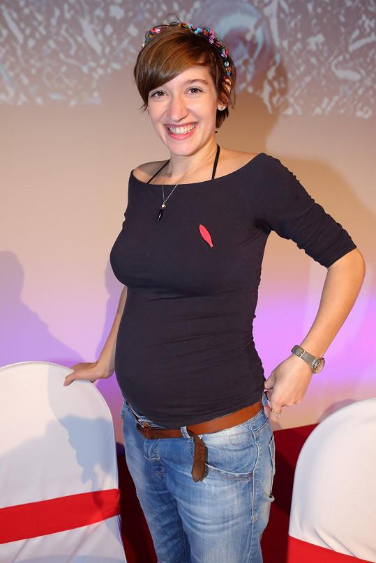 Marta Dancingerová na představení vánočních pohádek ČT