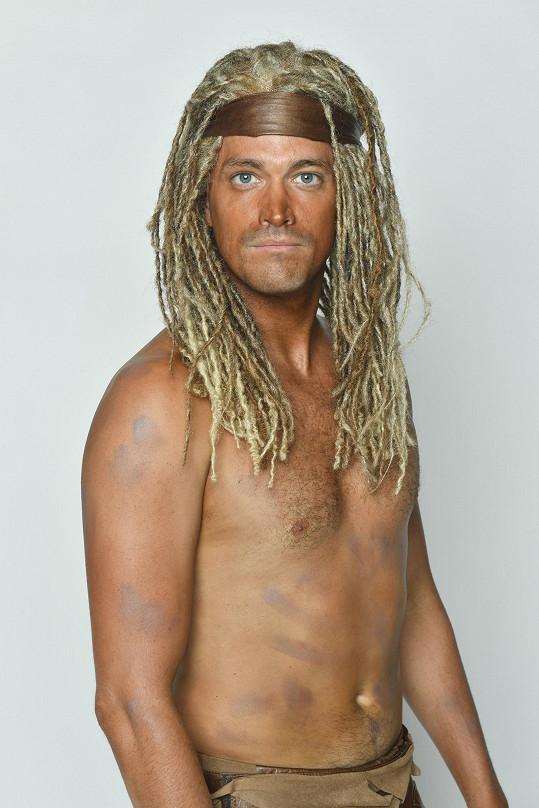 Takhle vypadá jako muzikálový Tarzan.