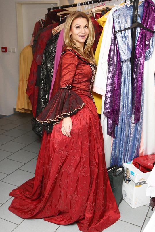 Yvetta Blanarovičová zkoušela kostým do muzikálu Angelika.