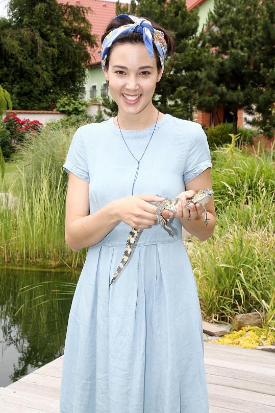 Herečka vybrala pro krokodýla jméno Mráček.