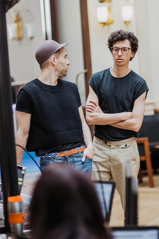 Moderují spolu například představení Finále Plzeň.