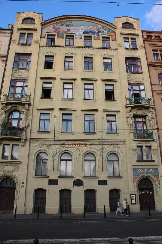 Adina Mandlová i Hana Vítová v domě postaveném podle návrhu architekta Josefa Fanty zažily radostné i smutné chvíle...
