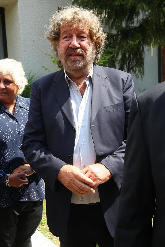 Zdeněk Troška se s Jiřím Pomejem sešel při práci na pohádkách Z pekla štěstí 1 a 2 i Kameňácích.