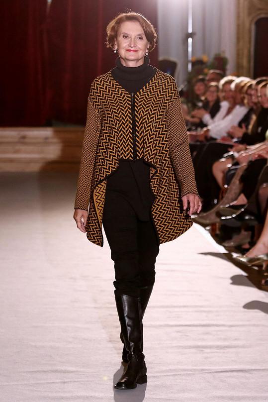 Na módní přehlídce Jaroslavy Procházkové byla za hvězdu.