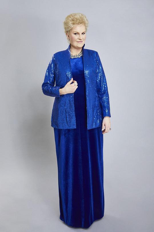 Iva Pazderková se představí jako Eva Urbanová.