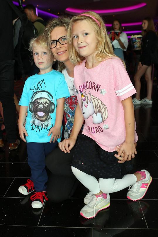 Katka s dětmi kvůli jejich častým nemocem do kina nechodí.