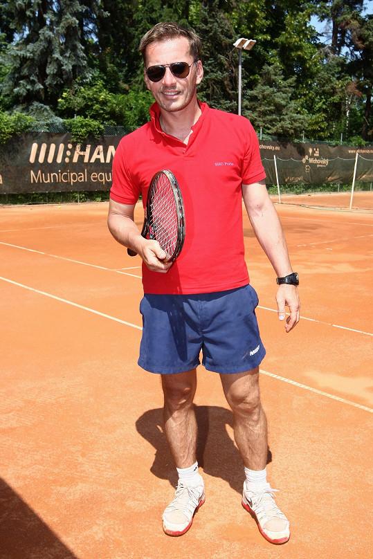 Petr na tenisovém turnaji divadla Kalich