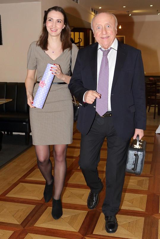 Lucie Gelemová a Felix Slováček na oslavě narozenin