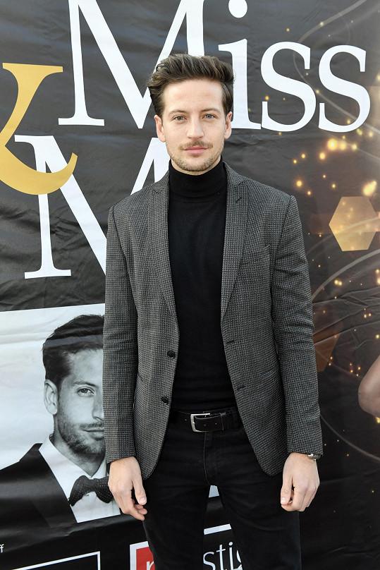 Model Antonín Beránek tragicky zahynul na následky autonehody.