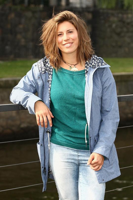 Eva Samková si nechala zkrátit vlasy.