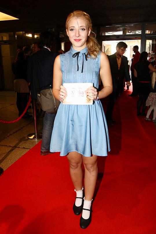 Anna na čtvrteční premiéře muzikálu Alenka v kraji zázraků, v němž hraje hlavní roli.