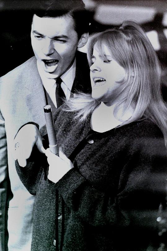 Karel Gott a Eva Pilarová v pražské Lucerně v letech 1967 až 1968